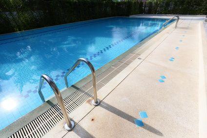 constructeur piscine béton Genève