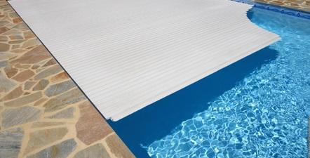 couverture piscine à Genève